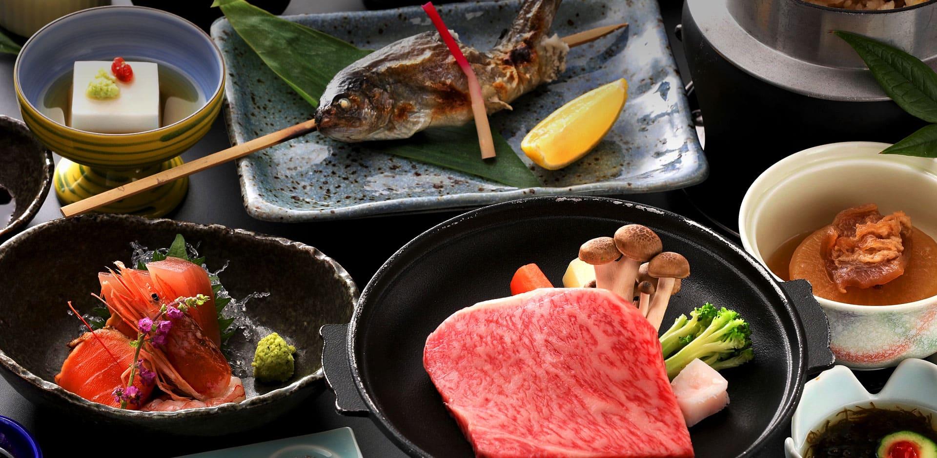 Enjoy hot spring, Hida beef and ryokan life at Gizan.